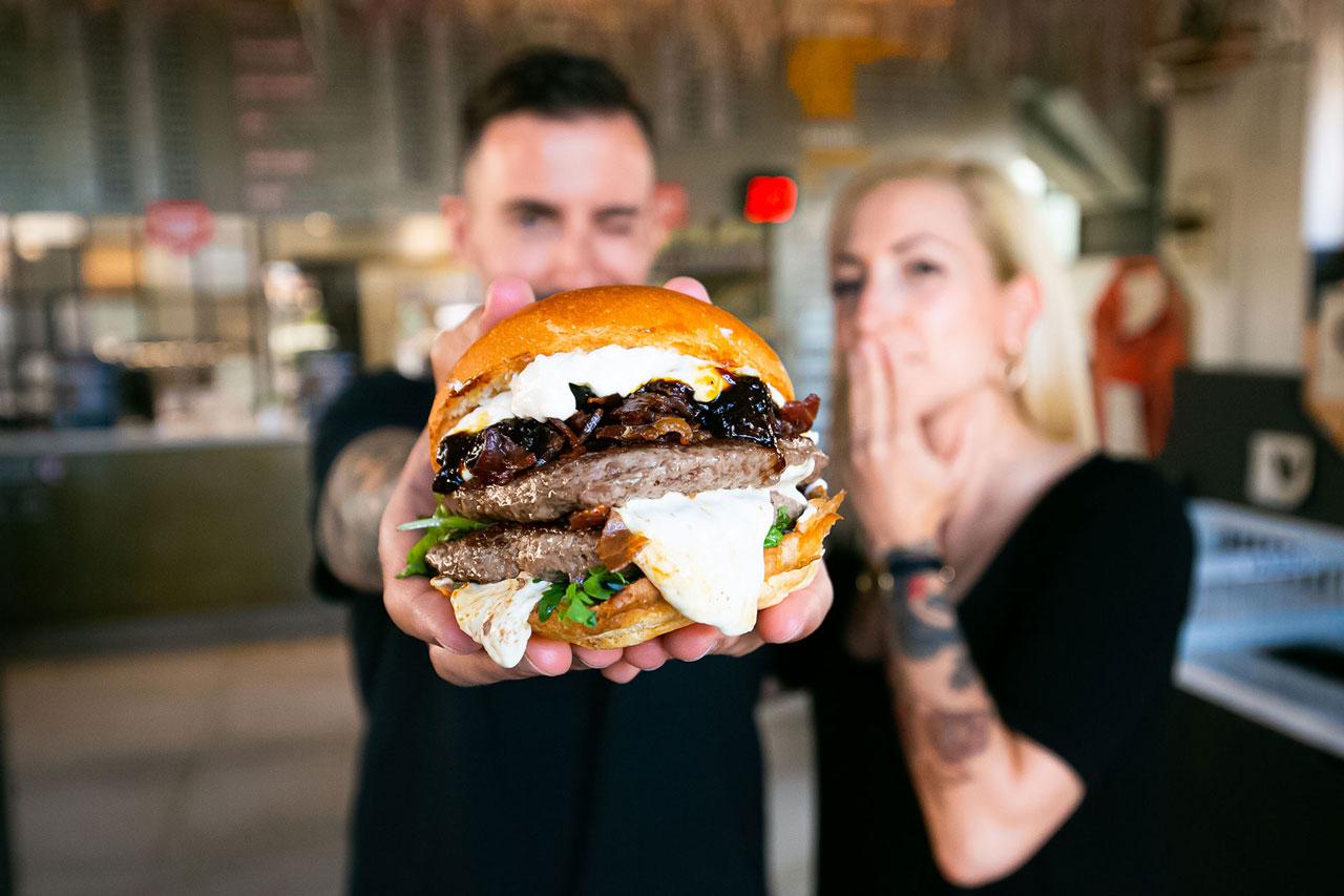laura-e-geremia_bonelli-burgers_i-migliori-del-mondo-2_mobile